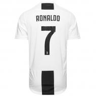 Интернет-магазин футбольной атрибутики. Купить атрибутику футбольных ... 7c6b3813f25